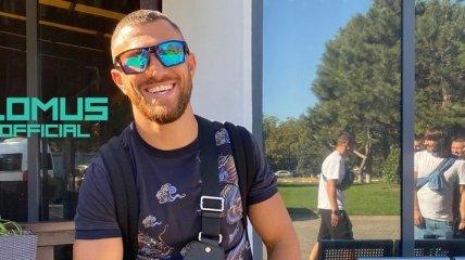 Ломаченко отправился в США на бой с Теофимо Лопесом