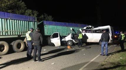 ДТП с участием микроавтобуса и двух грузовиков на Николаевщине