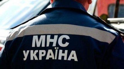 На Прикарпатье самолет рухнул на жилой дом, есть погибшие (фото)