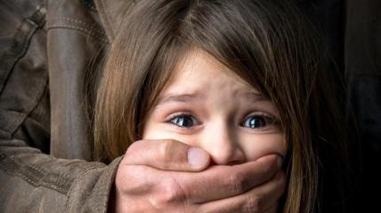 Отчим якобы измывался над ребенком, пока матери не было дома