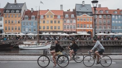 В Дании привито более 80% населения, благодаря чему жизнь станет прежней