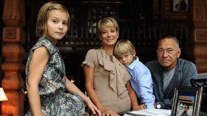 Дочь Юлии Высоцкой очнулась после двухлетней комы