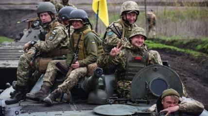 Украинским военным повысили зарплаты