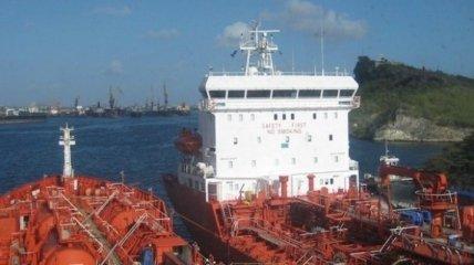 У берегов Африки пираты напали на танкер с украинцами на борту: первые подробности