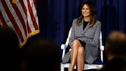 В блестящем наряде: новогодние фото с Меланией Трамп