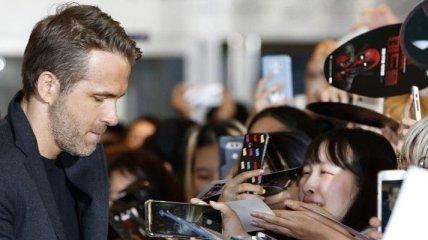 """Райан Рейнольдс посетил Южную Корею с премьерой """"Дэдпул-2"""""""