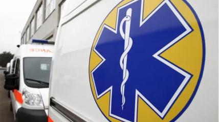 Скорая увезла ребенка в ближайшую больницу