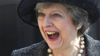 Смех премьер-министра Британии изрядно насмешил соцсети (Видео)