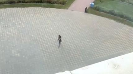 18-річний росіянин почав стріляти по будівлі, а після — потрапив всередину і вбив вісьмох