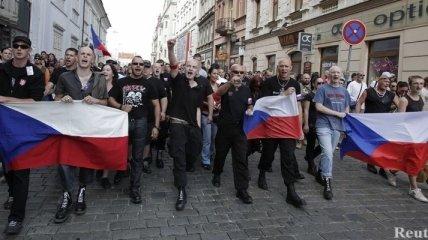 В Чехии с драками и арестами прошли антицыганские марши