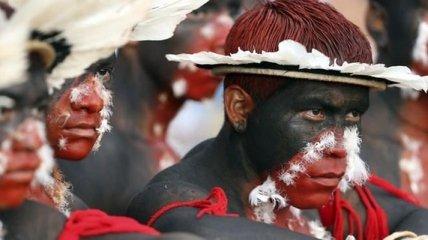 Племена коренных народов Бразилии во время XII спортивных игр (Фото)
