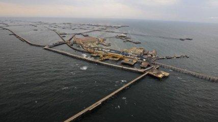 Жизнь в пучине волн Каспийского моря: поселок Нефтяные Камни (Фото)