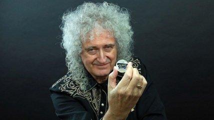 Британия выпустила памятную монету в честь британской рок-группы Queen (Фото, Видео)
