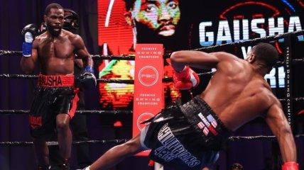 Боксер отправил соперника в стоячий нокаут (видео)