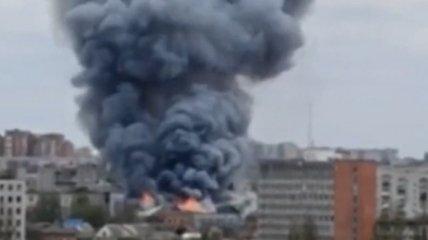 Дым стоял столбом, пришлось подключать все городские караулы: в Виннице произошел смертельный пожар в офисном здании (фото, видео)
