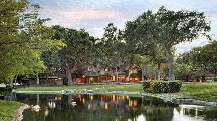 """Экскурсия по знаменитому ранчо Майкла Джексона """"Неверленд"""" (Фото)"""