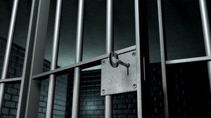 В Харьковской области из изолятора сбежали двое арестованных мужчин