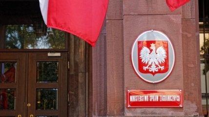 Польша со скандалом выслала дипломатов РФ и Беларуси: в чем причина