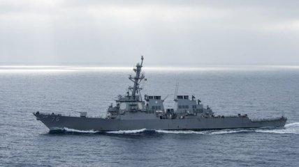 Эсминец США столкнулся с японским буксиром