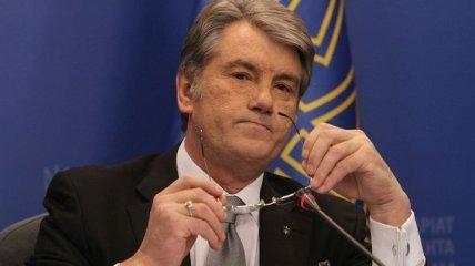 Ющенко обратился к Луценко с просьбой вмешаться в дело о Межигорье