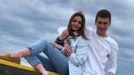 Связавшиеся вместе влюбленные из Харькова придумали, как заработать на цепи и после расставания