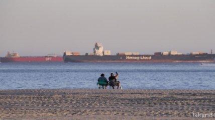 """Нефть некуда девать: десятки танкеров """"застряли"""" у берегов Калифорнии"""