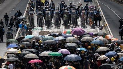 Для подавления беспорядков в Гонконге Пекин готов задействовать армию