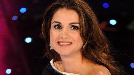Королева Йорданії, Ранія показала стильний образ на екскурсії