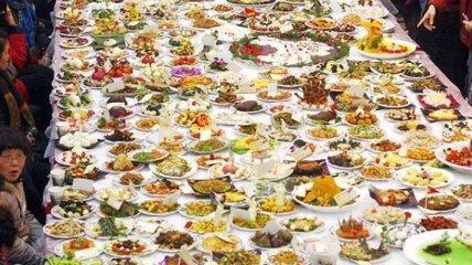 Врачи: Большие тарелки провоцируют переедание