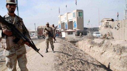 Трое пакистанских военных погибли на границе с Индией