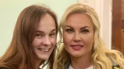 Ксения Куприненко с певицей Камалией