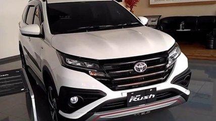Toyota выпустила новый внедорожник на семь мест