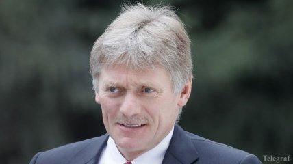Песков ответил на высказывание Макрона касательно развития России