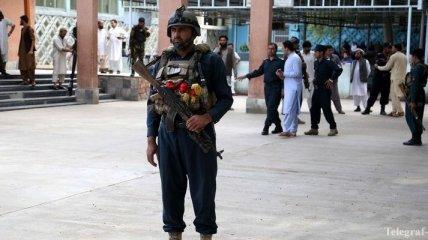 Атака смертника на участников избирательной кампании в Афганистане: 13 погибших