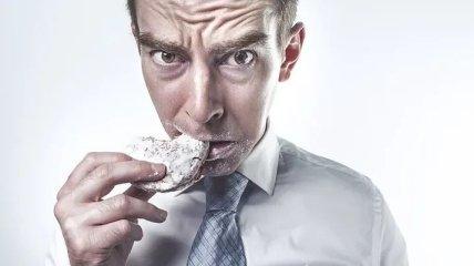 Это чувство трудно утолить: продукты, которые сделают вас еще более голодными (Фото)