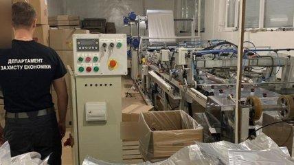 В Хмельницкой области обнаружили цех по производству фальсификата