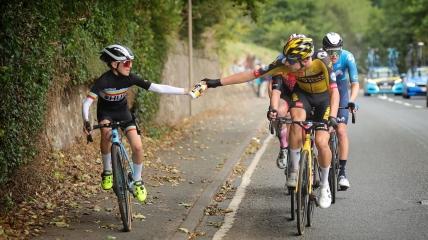 Ксандер Грэм во время велогонки