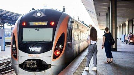 """Ряд поездов из Киева задерживаются из-за аварии: в """"УЗ"""" обнародовали список"""
