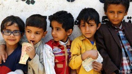 В Йемене учитель организовал в своем доме школу, в  которую ходят 700 учеников