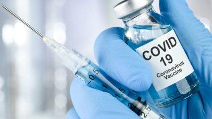 На фоне учащения случаев побочек в Украине хотят снять ответственность с производителей вакцин
