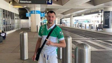 Пример для Ломаченко: Постол прибыл в США (Фото)