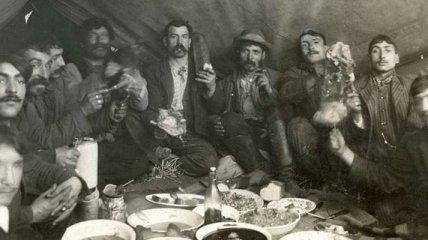Ретро-фотографии из жизни цыганского табора (Фотогалерея)