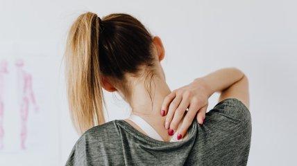 Если вам сложно контролировать спину в течение дня, воспользуйтесь корректором осанки.