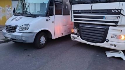 Пострадали оба водителя