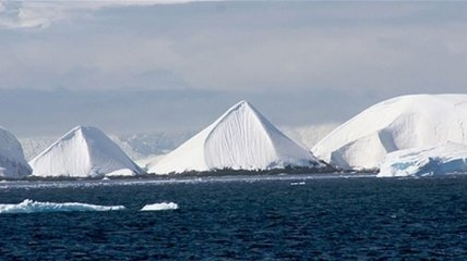 В Антарктиде обнаружили рукотворные пирамиды