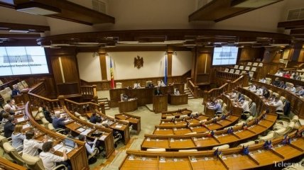Новый глава МИД экстренно вызывает посла Молдовы в США