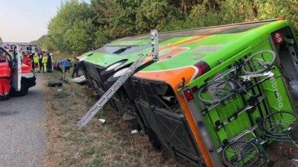 В Германии перевернулся автобус с пассажирами, есть пострадавшие