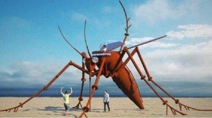 Одессит создал шестиметрового светящегося комара: арт-объект установят для туристов (фото)