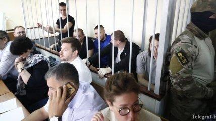 Денисова предложила освободить пленных моряков под ее личное обязательство