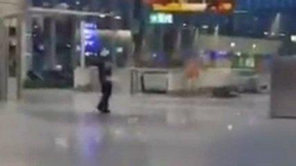 В аэропорту Франкфурта стрельба и задержания: что известно и видео с места